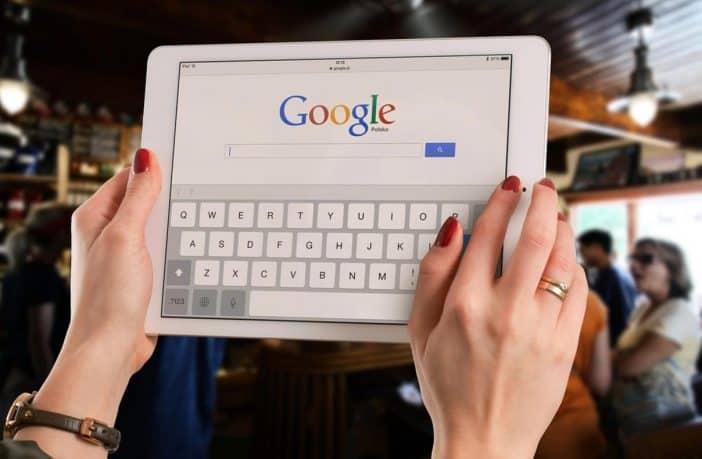Search engine evaluator