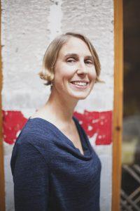 Photo of remote work expert Lisette Sutherland